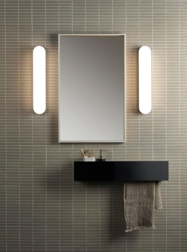 appliques de salle de bain led de chez narjoud luminaire. Black Bedroom Furniture Sets. Home Design Ideas